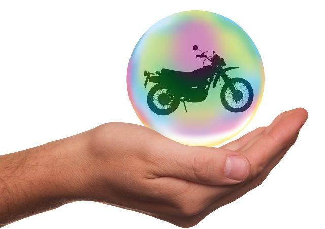 Quelles solutions pour payer son assurance moto moins cher?
